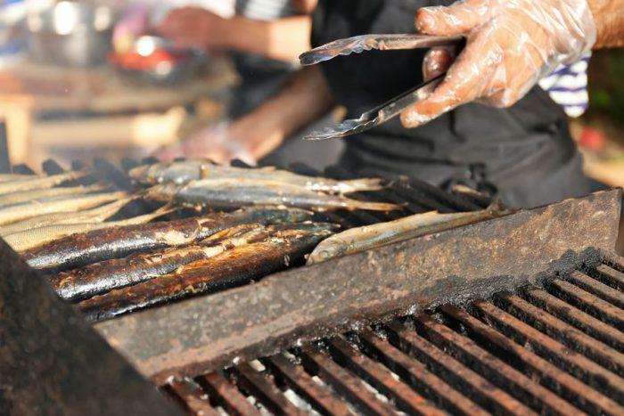 Рыба, приготовленная на гриле и мангале