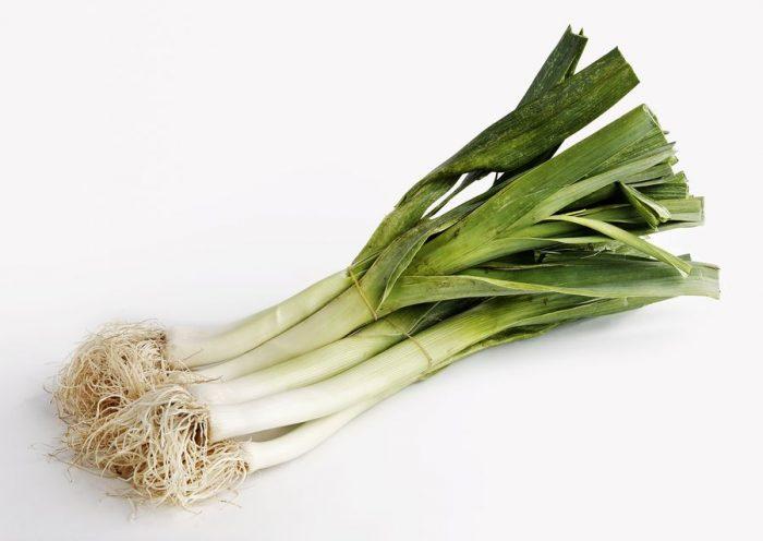 Лук-порей выращивают ради отбелённого ложного стебля