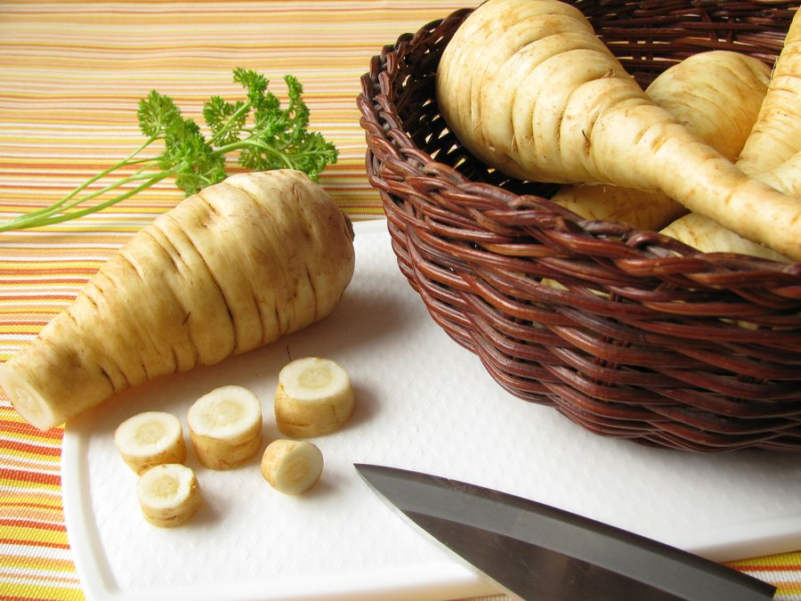 Пастернак - пряный корень, регулярное употребление которого способствует снижению сахара в крови