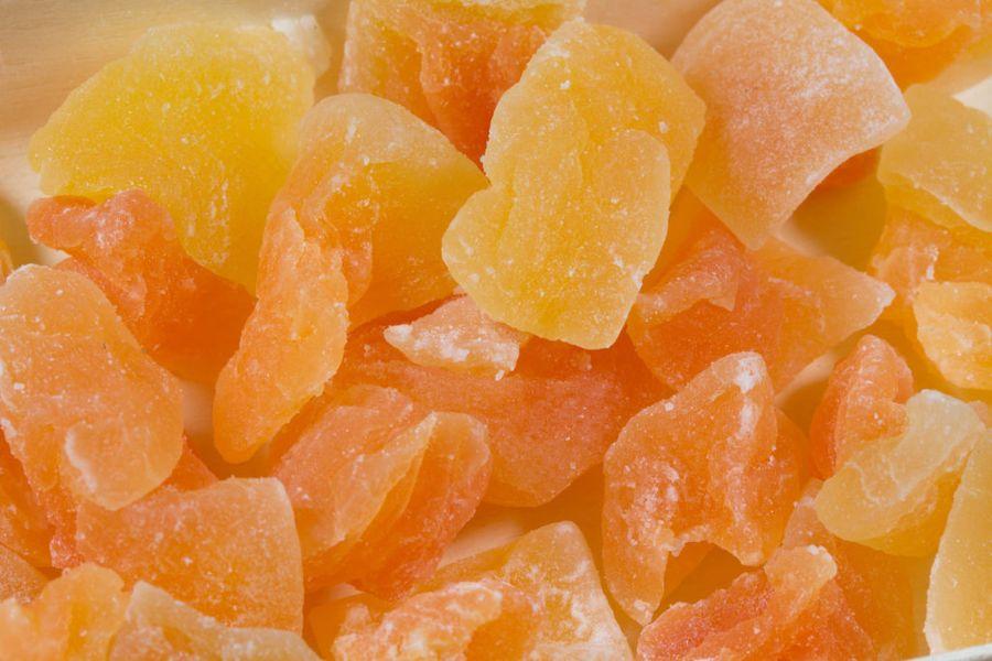 Цукаты из арбузных или дынных корок готовят из недозревших или плотных плодов