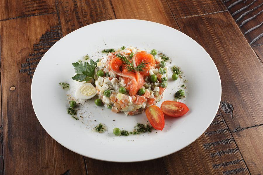 """""""Оливье"""" с лососем изменит представление о салате"""
