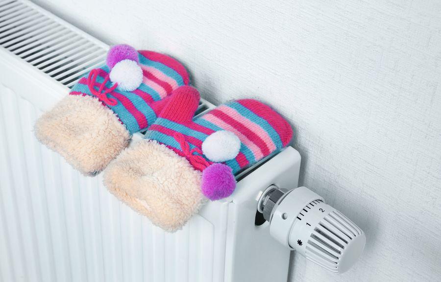Ёлки лучше не располагать возле нагревательных и отопительных приборов не только в целях безопасности