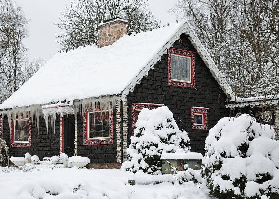 Снег в дизайне дачи имеет большое практическое и эстетическое значение