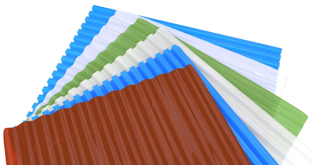 Листы поликарбоната бывают разных цветов, так что можете сделать грядки под цвет других ограждений