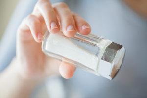 Поваренная соль помогает не только на кухне