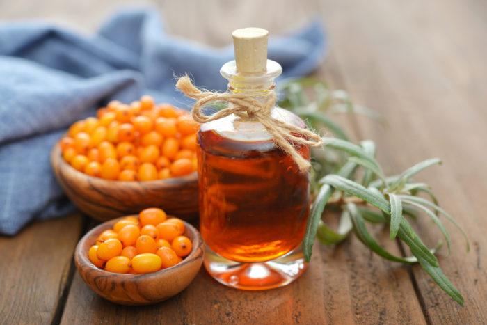Облепиховое масло - это масляный экстракт физиологически активных веществ плодов