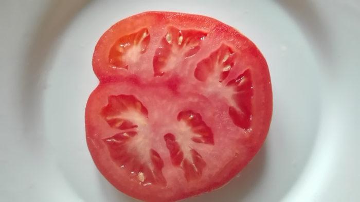 В старину ломтик томата помогал излечить фурункул
