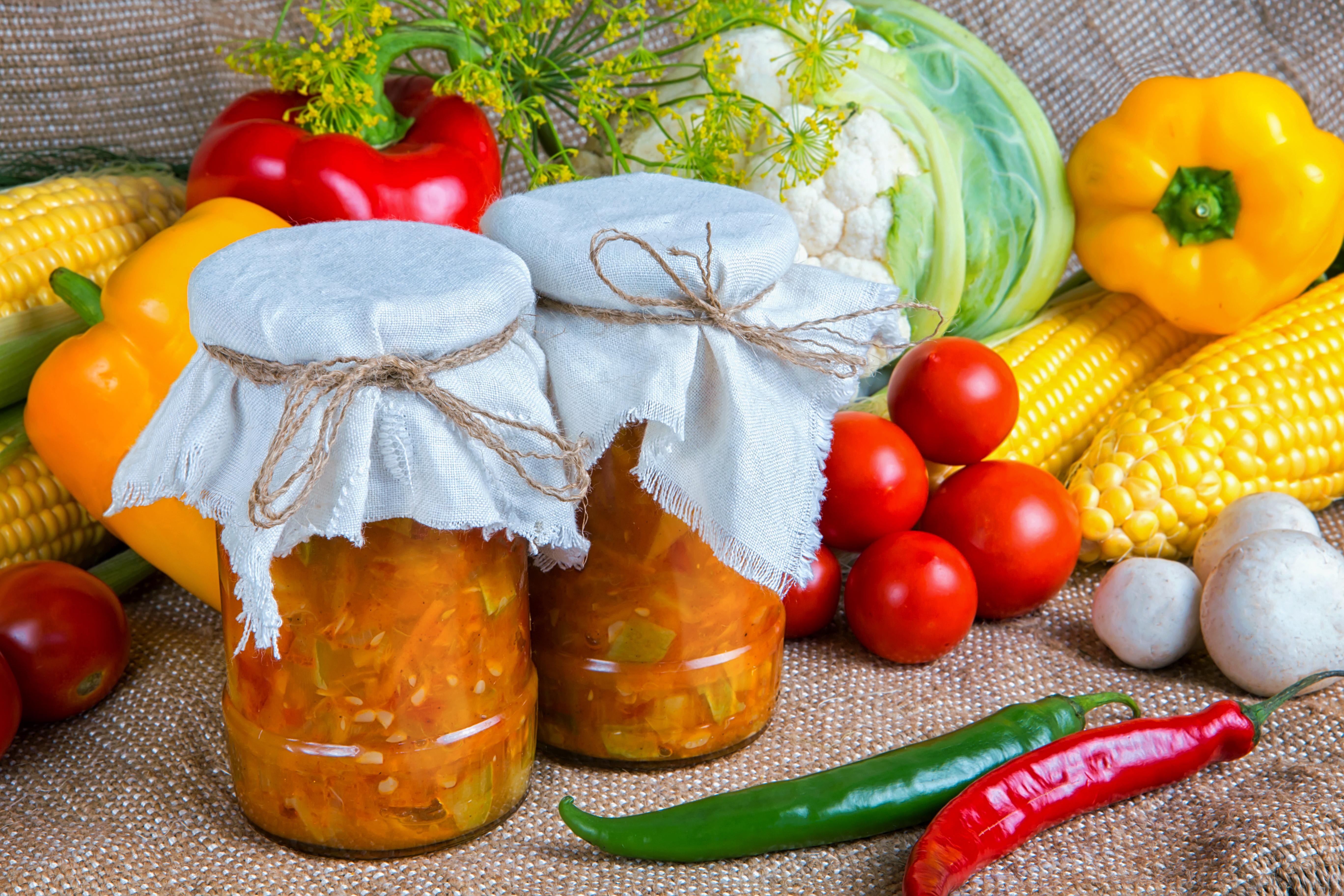Рассольник подойдёт не только в качестве заправки для супа - его можно кушать как обычный салат
