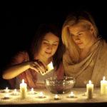 Женщины со свечами