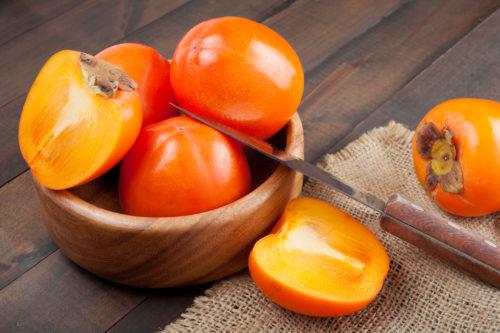 Хурма богата витаминами, микроэлементами, важными для нашего организма, поэтому употребление 1-2 плодов продлит жизнь каждому