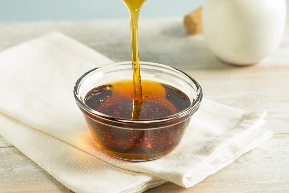 Сироп агавы можно просто добавлять в воду или чай — будет полезный напиток