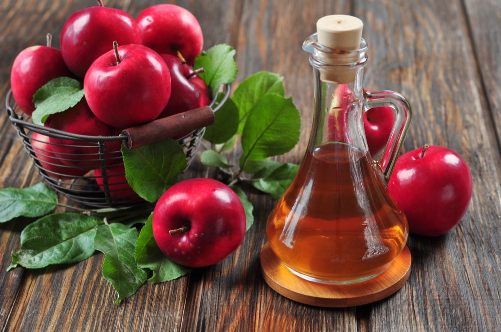 Яблочный уксус используют зимой как заправку для салатов