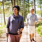 Скандинавская ходьба: польза или вред?