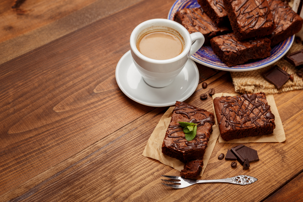 Какао хорошо подать на стол с домашней выпечкой