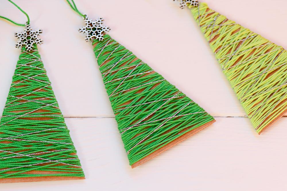 Цветные игрушки лучше всего делать из двухсторонней цветной бумаги