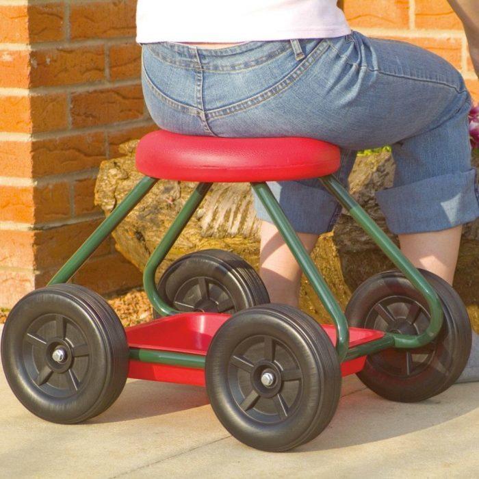 Садовый стул на колёсах