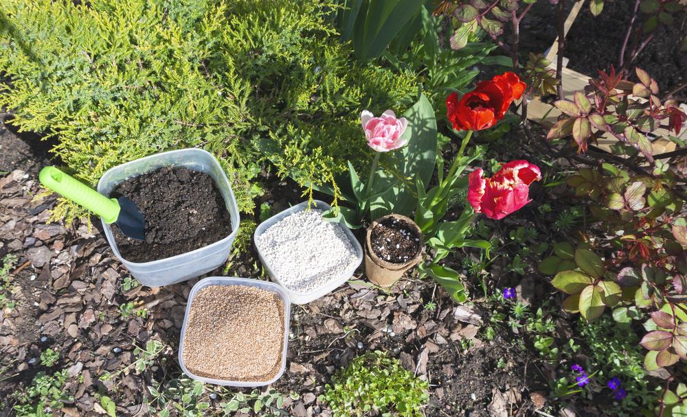 Минерал вермикулит можно смешивать с любой почвосмесью.